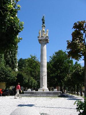 Plečnikov park z Marijinim stebrom